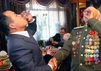 """""""無酒不歡""""的俄羅斯人,為啥不喜歡喝中國的白酒?原因有些可笑"""