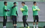 中超第10輪北京中赫國安對陣天津天海,國安球員賽前積極備戰