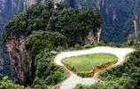 鏡頭下:湖南萬丈高峰上的一塊神奇稻田,屬於人類的鬼斧神差
