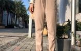 """新發現一款毛呢褲,叫""""花苞褲"""",優雅減齡特洋氣,適合微胖女人"""