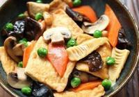 美食推薦:板栗燜老鴨,八珍豆腐,川味拌蓮藕,五花肉香煎豆腐煲