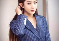趙麗穎劉亦菲穿上西裝,酷起來,基本就沒有陳偉霆彭于晏什麼事了