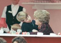 33年前,戴安娜王妃帶兒子參觀飛機,4歲威廉在駕駛座和媽媽親親