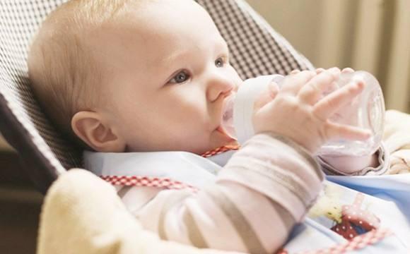 2萬罐奶粉添加傷害寶寶大腦的物質,趕快檢查家中奶粉是否在其中