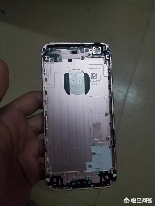 普通人自己買零件組裝一臺蘋果手機,難度大嗎?