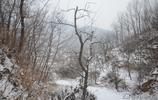 平谷雪後的峨眉山