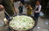 10張農村做大鍋菜現場實拍圖,您是否饞得流口水了?