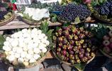 鄉下集市上來了一個賣特別水果的奶奶