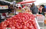 北京節日市場屢現幾毛錢蔬菜遭市民瘋搶,難得價廉市民不再淡定