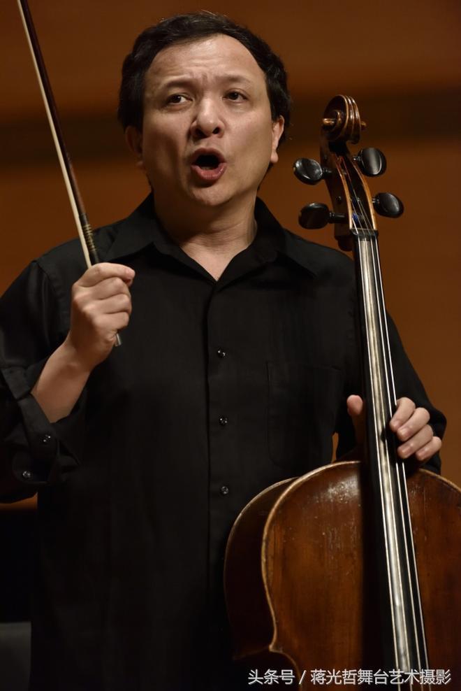 大提琴演奏家朱亦兵