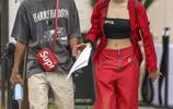 星二代賈登和新女友甜蜜出街,兩人形象絕配