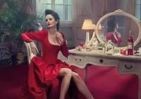 她是讓邦德念念不忘的女人,比蘇菲瑪索更性感,分分鐘把直女掰彎