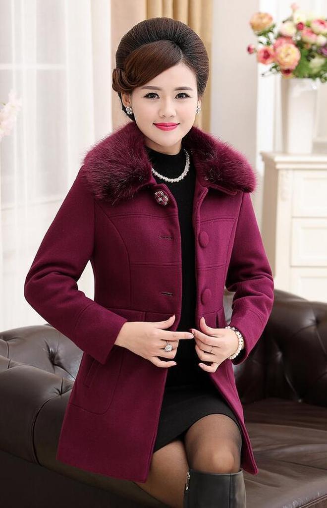 奔四奔五女人不要花哨,這幾款高貴大碼外套,穿出去兒女倍有面子