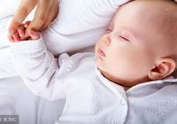 寶寶遲遲不肯睡,可能是這三種原因,許多家長疏忽了