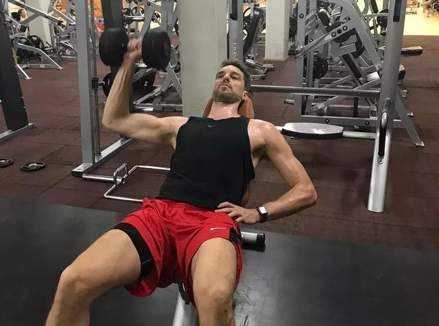 遭遇應力性骨折的保羅-加索爾,會在巨人的噩夢中遺憾退場嗎?