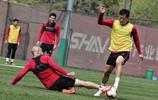 河北華夏幸福球員繼續訓練,下一輪聯賽華夏幸福主場對陣國安