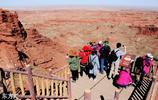 甘肅張掖:中秋節遊客穿越峽谷體驗西部風情