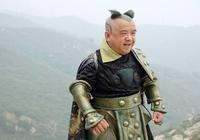 中國第一矮星,雖然身高只有1米28,但娶4任老婆都貌美如花