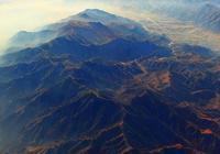 擁有一山隔陰陽的賀蘭山