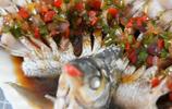 清蒸鯿魚最過癮的做法,鮮香無腥味,好吃易學,剛上桌就被搶光了
