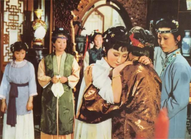 《紅樓夢》:林黛玉進賈府,為什麼親舅舅賈赦和賈政都不見她?