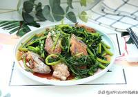這道大連老菜你吃過嗎?刀魚和這個青菜一起燉,味道是特別的鮮美