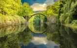 橋與水:天地間的戒指