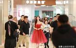 """""""慈善女神""""林志玲一襲紅裙現身某活動,保養超好45歲仍如少女"""