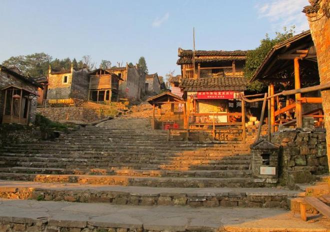 前年瑤寨之旅,蔚藍蔚藍的天空