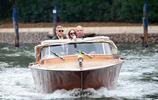 喬治·克魯尼和朱麗安·摩爾抵達意大利酒店!克魯尼魅力不減當年