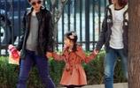 馬伊琍帶女兒外出,打扮得比子君還時髦,腳上的鞋子確實好看
