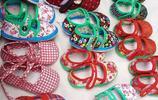 73歲老奶奶做農村手工布鞋,20塊錢1雙,最多一天賣5雙,你會買嗎