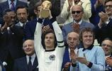弗朗茨·貝肯鮑爾,1945年出生於德國慕尼黑,德國著名足球運動員,教練及領隊,一代傳奇巨星