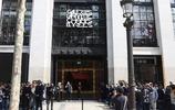 大衛•貝克漢姆助陣在巴黎香榭麗舍大街的99號店開業