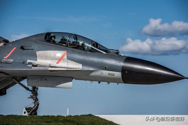 中國空軍殲-11BS重型戰鬥機高清圖片 航空工業的明星產品
