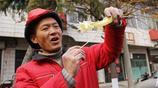 山西農村50歲農民15年做苦工只為一個承諾,如今吹糖人日賺1500元
