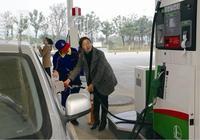 錯誤的加油方式很傷車,加滿和加200,你選擇的是哪一種呢?