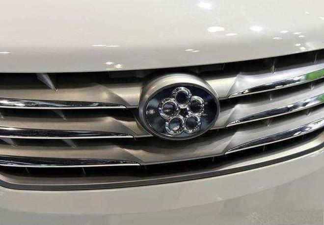 董明珠投資的第二臺汽車已經上路了,比豐田埃爾法還長1米多!
