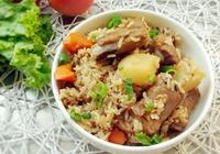 「排骨燜飯」香噴噴的排骨燜飯,營養十足,好吃又美味