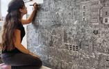 她將一支針管筆運用到極致,巨幅畫面、震撼場景,驚豔全世界