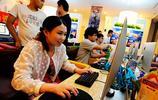 名校畢業的她辭掉銀行工作在網吧賣飲料,只為實現自己的遊戲夢想