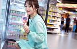 不老女神楊鈺瑩晒出美圖,皮膚白皙笑容甜美,滿滿的少女氣