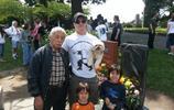 李小龍的日本大徒弟,終身為他守墓,傾盡一生,93歲依然每週一次