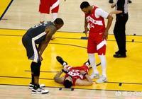 總決賽G4,範喬丹被利文斯頓肘擊面部倒地,伊戈達拉第一時間上前慰問,你怎麼看?