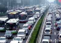 日本人均0.6輛汽車,美國人均0.8輛!你們知道中國人均是多少嗎?