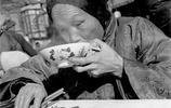 老照片中的北京小吃,隔著屏幕也能感覺到香味!現在已經很難看到
