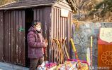 河北峰峰:響堂山範女士賣柺棍,柺棍不能打孩子,只能打壞蛋