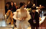 陳妍希婚後衣著大膽,抹胸薄紗裙內衣內褲搶鏡,陳曉不會有意見?