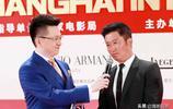 吳京亮相上海國際電影節閉幕紅毯 皮膚黑了N個色號